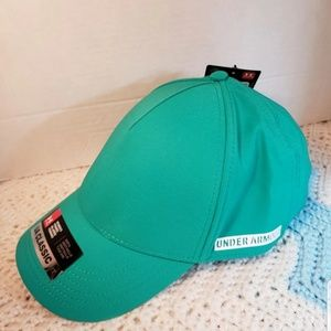 Womens Under Armour adjustable hat